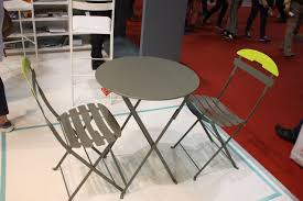 Modern Garden Table And Chairs Spruce Up Your Backyard With Modern Outdoor Furniture