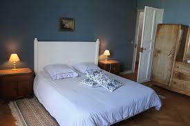 chambre bleue chambres d hotes à bayeux avec piscine et tennis au château de