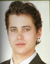 men hairstyle medium length layered best style