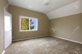 Schlafzimmer Design Beige New Beige Schlafzimmer Mit Teppich Lizenzfreie Fotos Bilder Und