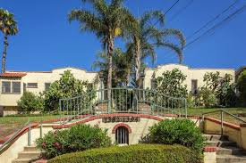 what is a courtyard los angeles apartments what 2 000 rents you right now curbed la