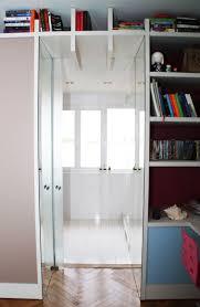 cachee bureau porte coulissante cachée entre le mur et le meuble bureau donnant