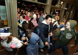 alderwood mall chaotic as black friday shopping begins seattlepi