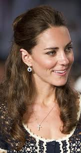 kate middleton diamond earrings prince william gives kate middleton his diana s favourite