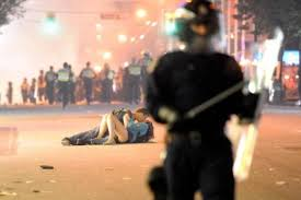Vancouver Riot Kiss Meme - vancouver riot kiss know your meme