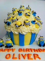 minion cupcake cake minion cupcake from dispicable me pinlicous