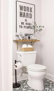 Bathroom Shelf Decorating Ideas Best 20 Vintage Bathroom Decor Ideas On Pinterest Half Bathroom