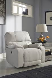 Freeds Furniture Arlington by Best 25 Benchcraft Furniture Ideas On Pinterest Grey Basement