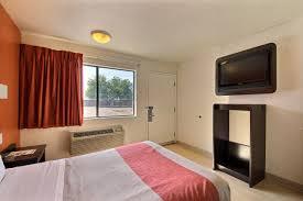 Family Garden Laredo Tx Motel 6 Laredo South Tx Booking Com