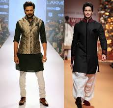 indian wedding groom choosing indian wedding costumes for grooms indian fashion