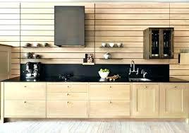 renover porte de placard cuisine meuble de cuisine en bois porte cuisine bois meuble cuisine bois