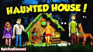 scooby doo haunted house halloween surprise scooby fred
