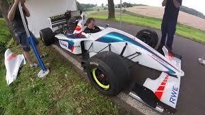 formula 3000 échauffement du moteur cosworth de la formule 3000 de philippe