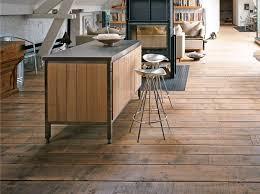 plancher cuisine bois cuisine bois beton affordable cuisine maison bois bton par bg