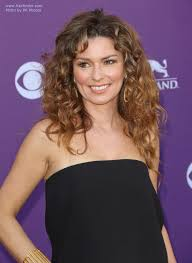 hairstyles late 40 s shania twain in her late forties long hairstyle with natural