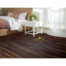 aquaguard heritage manor water resistant laminate 8mm