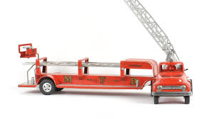 tonka fire truck toy 1954 tonka aerial ladder fire truck m363 the toy auction 2014