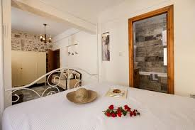 holiday home townhouse eleni chania town greece booking com