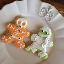 Halloween Cookies Decorating Ideas Scary But Sweet Decorated Cookies Pinterest Scary Halloween