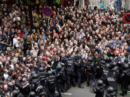 hundreds injured as spanish riot police try to stop referendum