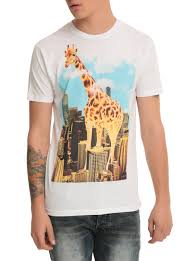 giant giraffe t shirt topic