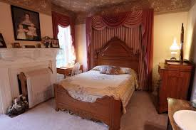 Nascar Bedroom Furniture by Lodging For Nascar Race Fans Near Mis