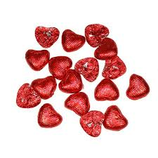 heart shaped chocolate foil wrapped heart shaped favour chocolates pack confetti co uk