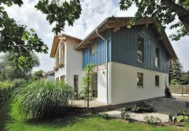 Suche Hauskauf Das Großzügige Haus Im Landhausstil Lebt Von Dem Kontrast Zwischen