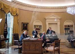 trump drapes measure the drapes oval office style through 12 u s presidencies