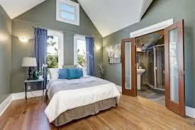 the best bedroom flooring carpet or hardwood floor coverings