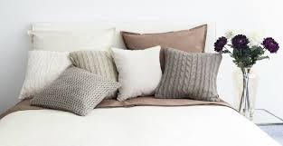 cuscino per leggere a letto cuscini per testata letto morbide decorazioni dalani e ora westwing