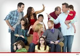 modern family cast drops lawsuit we re back in tmz