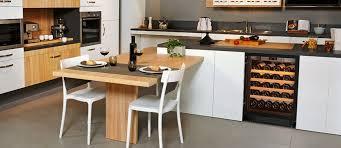 vin cuisine cuisine avec cave a vin idées décoration intérieure