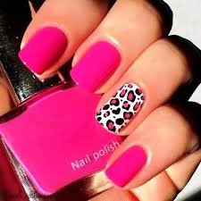who wants to get these cute pink leopard print nail arts