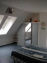 amenagement chambre sous pente chambre sous toit 17 meilleures ides propos de combles sur