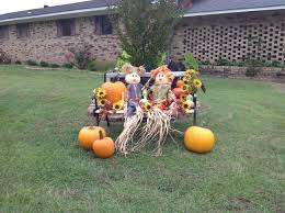 Fall Outdoor Decorations by Love This Cute Idea With The Scarecrows Sitting On The Bench