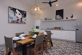 photo cuisine avec carrelage metro design interieur cuisine avec carreaux ciment motif floral gris