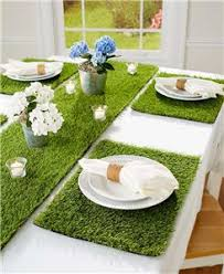 table runner or placemats indoor outdoor grass look table runner or set of 4 placemats spring