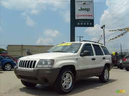 2004 stone white jeep grand cherokee laredo 4x4 31585096