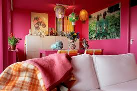 my living room is firmly in the pink thanks to histor fuchsia