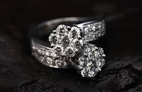 real diamond engagement rings how to tell if a diamond is real beware of jewelry fraud scam