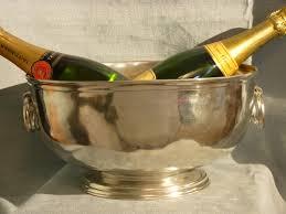 porte seau a champagne sur pied seaux à champagne en etain brillant de haute qualité aspect argent