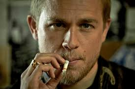 jax teller hair product charlie hunnam says he could return in the sons of anarchy spinoff