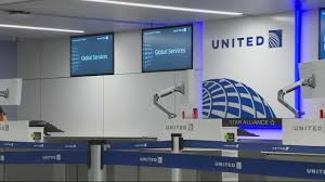 United Airlines Carry On News Click United Airlines Overbooking Flights Wcco Cbs Minnesota