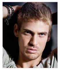 thin blonde hairstyles for men haircut styles for men with thin hair and blonde messy hairstyle