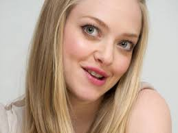 amanda seyfried desktop wallpapers amanda seyfried smiling dear john in time actress movie star hd
