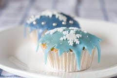 Cupcakes En Blauw Suikerglazuur Stock Afbeelding Afbeelding 9645877
