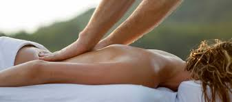 Draping During Massage Tips For Enjoying Your Outdoor Massage Pause The Zeel Blog