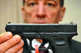 "Detective Chief Superintendant Paul Richardson a Glock gun. THE new head of the police's anti-gang and gun unit today vowed to make Merseyside a ""hostile ... - paul-richardson-620-202514799"