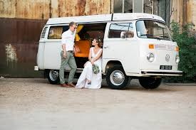 van volkswagen vintage concours gagne un week end en combi vw funky wedding x la